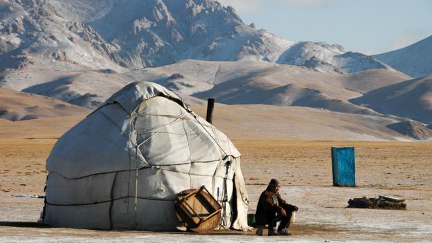Tea at a Kyrgyzstan yurt (Credit: Audrey Scott)