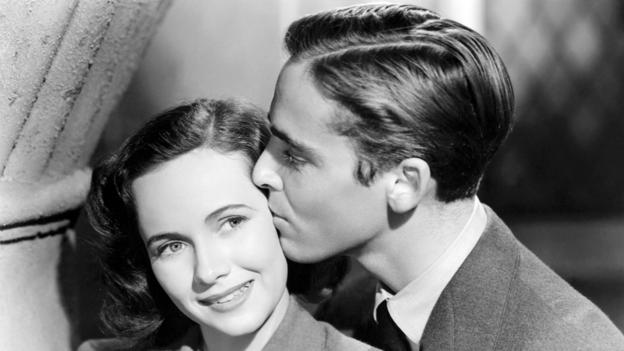 Teresa Wright and Richard Ney in Mrs Miniver (Pictorial Press Ltd / Alamy)