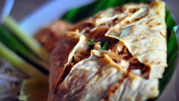 Pad Thai wrapped in egg (Credit: Credit: Harpal Padwal/Getty)