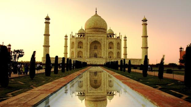 The Taj Mahal is enveloped in pastels as the sun sets (Credit: Credit: Thinkstock)