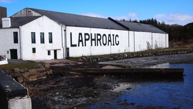 Laphroaig unapologetically overwhelms the palate with peat (Credit: Credit: Emma Jane Hogbin Westby/Flickr/CC by 2.0)