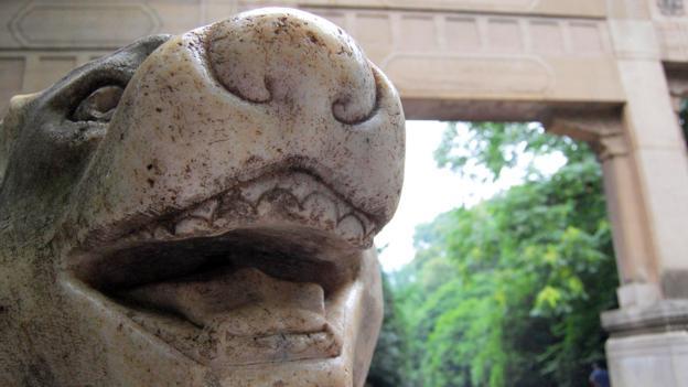Fierce carvings outside the Sun Yat-sen mausoleum (Credit: Credit: Juan Luis/Flickr/CC BY-SA 2.0)