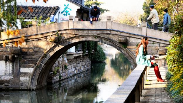 The narrow canals remind visitors of a time when Suzhou was less populous (Credit: Credit: Russ Bowling/Flickr/CC-BY-2.0)