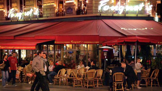 Restaurants along the Champs-Élysées (Credit: Credit: Peter Phipp/Travelshots.com/Alamy)
