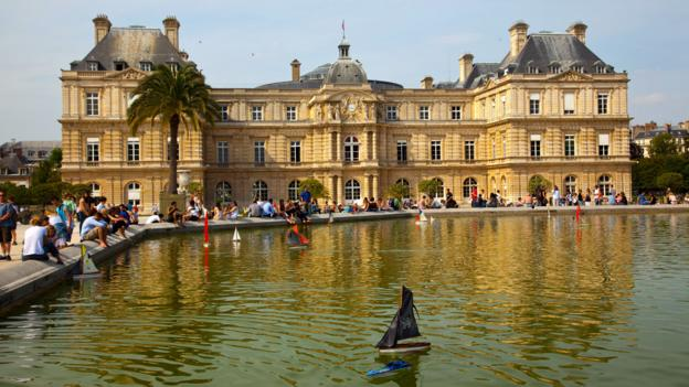 The fountain in the Jardin du Luxembourg (Credit: Credit: Andre Lebrun/Age Fotostock/Alamy)