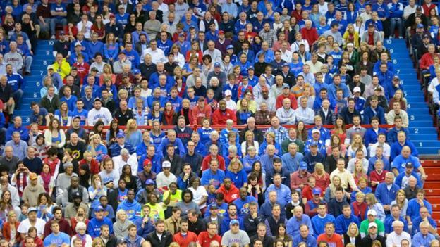 Opinions can spread fast through a crowd (Credit: Dean Hochman/Flickr/CC BY 2.0)