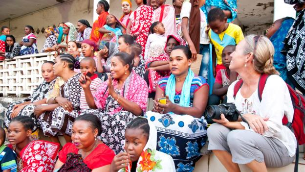 The women of Anjouan wear bold and bright fabrics (Credit: Credit: Diane Selkirk)
