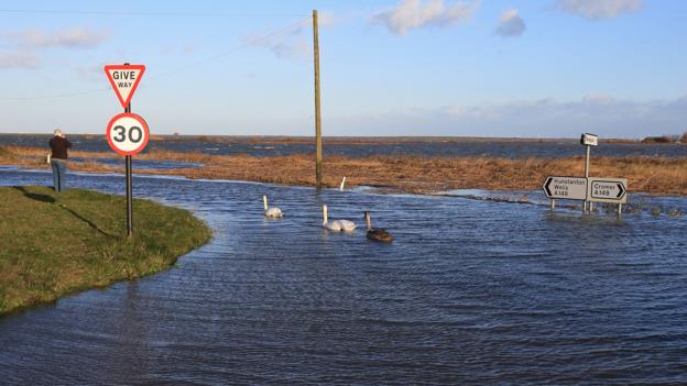 Higher seas mean a greater risk of flooding (Credit: Robin Chittenden/Alamy Stock Photo)