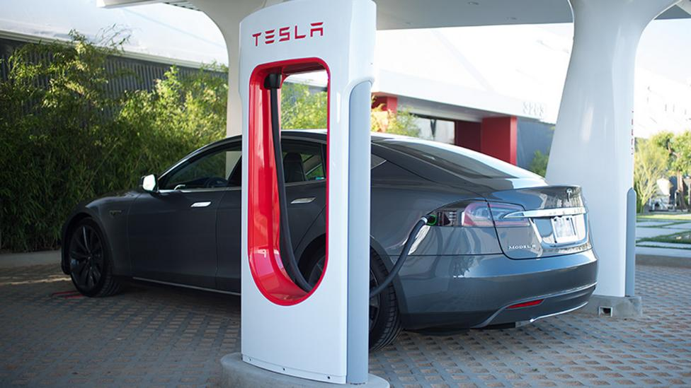 (Tesla Motors)