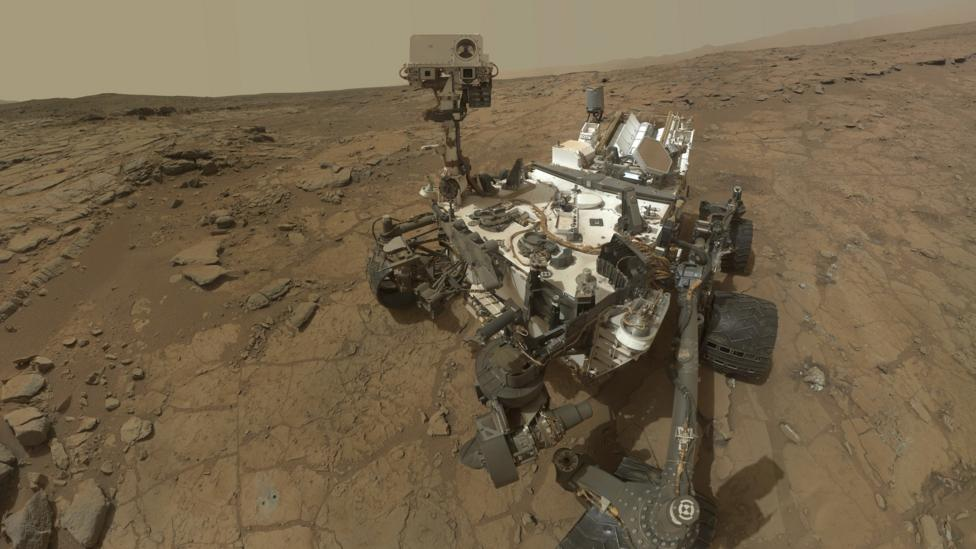 Curiosity rover, a Martian self-portrait.