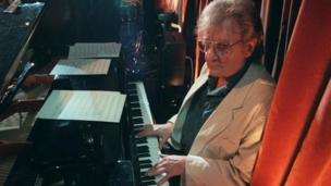 British pianist Stan Tracey, one of the greats of the jazz world, dies at the age of 86.