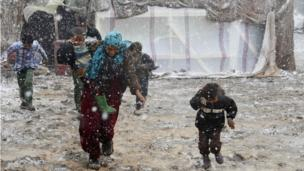 European leaders should be ashamed by the paltry numbers of refugees from Syria they are prepared to resettle, human rights group Amnesty says.