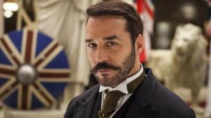 ITV period drama Mr Selfridge, starring US actor Jeremy Piven, will return for a third series, the broadcaster announces.