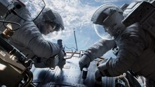 The chief cameraman on Oscar-winning film Gravity wins an award for his work at a ceremony which also honours late camera operator Sarah Jones.