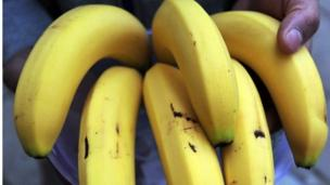 Irish fruit firm Fyffes and US rival Chiquita are to merge, creating the world's largest banana company.