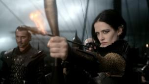 300: Rise of an Empire, the sequel to 2006 hit 300, slayed the competition at cinemas this weekend, earning $45.1m (£27m) in the US and Canada and an additional $87.8m (£52.6m) worldwide.