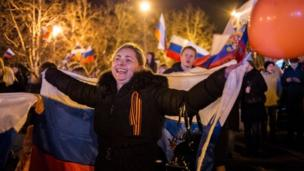 EU foreign ministers are to discuss more sanctions against Russia after a Moscow-backed referendum in Crimea supported a split from Ukraine.