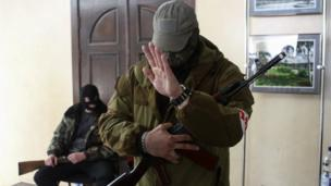 Pro-Russian separatists in eastern Ukraine refuse to leave official buildings, just hours after an international deal was reached to defuse the crisis.