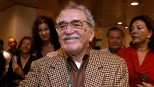 Presidents and fellow writers pay tribute to Nobel prize-winning Colombian author Gabriel Garcia Marquez ,who has died in Mexico aged 87.