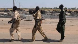 Hundreds of people were killed because of their ethnic group after South Sudan rebels seized the oil hub of Bentiu last week, the UN says.