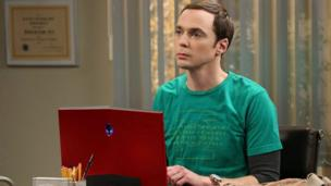 Work on the eighth series of US sitcom The Big Bang Theory is delayed, as its cast members fight for higher salaries.