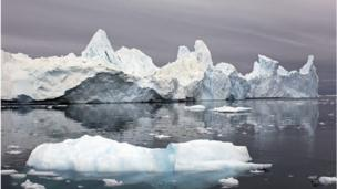 A new assessment from Europe's CryoSat spacecraft shows Greenland to be losing about 375 cu km of ice each year.