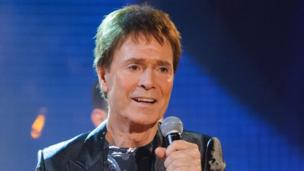 "The BBC ""acted appropriately"" in covering the police search of Sir Cliff Richard's home, the corporation's director general Tony Hall says."