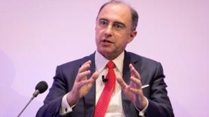 The London Stock Exchange is raising £938m in a shareholders rights issue to help fund a £1.6bn US acquisition.