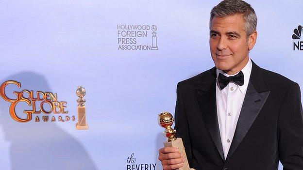 US actor, director and producer George Clooney is to receive an honorary award at next year's Golden Globes.