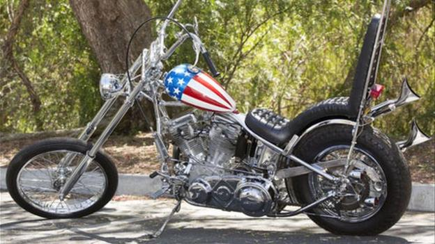 The customised chopper Peter Fonda rode in 1969 film Easy Rider is expected to fetch more than $1 million (£613,000) when it goes up for auction next month.