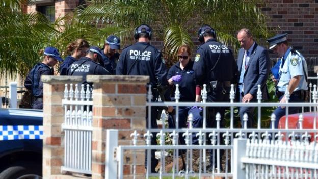 Police carry out anti-terror raids in Sydney sparked by intelligence that Islamic extremists were planning random killings in Australia.