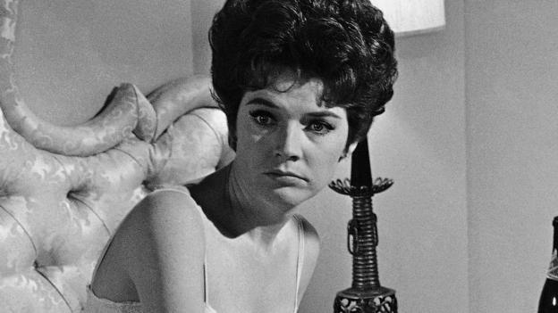 Polly Bergen, the actress whose fictional family was terrorised by Robert Mitchum in the 1962 film Cape Fear, dies aged 84.
