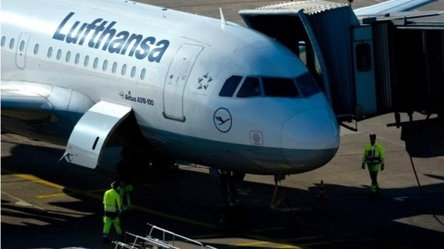 A Lufthansa pilots' strike hitting short-haul services on Monday is expanded to include long-haul routes on Tuesday.