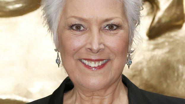British actress and presenter Lynda Bellingham, who had colon cancer, has died aged 66, her agent confirms.