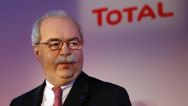 Christophe de Margerie, chief executive of French oil company Total, has died in a Moscow air crash, a Vnukovo airport official confirms.