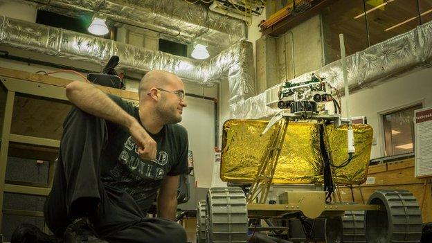 US team develop a robot that can send back live pictures from the Moon as part of attempt to win Google's Lunar X-Prize.