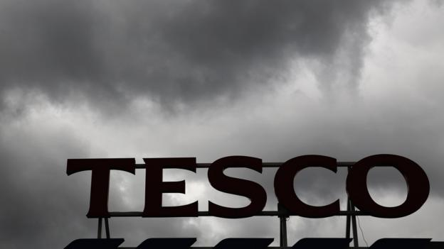 Tesco chairman Sir Richard Broadbent will leave the firm after the company announced a bigger-than-forecast hole in its profits.