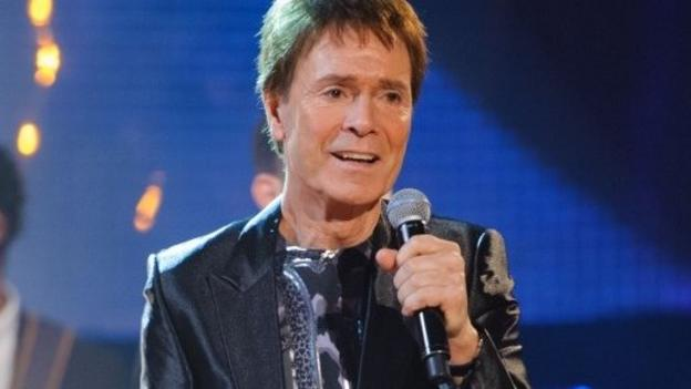 The handling of a police raid at the home of veteran pop star Sir Cliff Richard is described as inept by the Commons Home Affairs Committee.