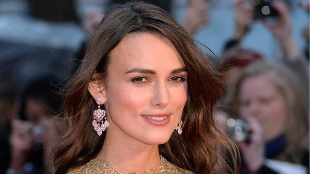 British actress Keira Knightley is to make her Broadway debut next year in Therese Raquin, a stage version of Emile Zola's classic novel.
