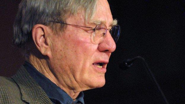 Pulitzer Prize-winning US poet Galway Kinnell, best known for his spiritual poems connecting the experiences of daily life to larger forces, dies aged 87.