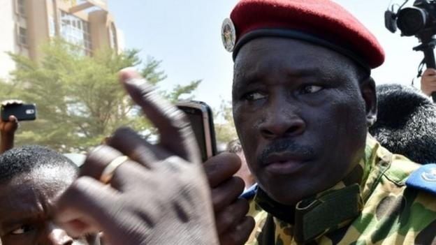Burkina Faso military chiefs back Lt-Col Isaac Zida as transitional president, an army statement says, appearing to end confusion over who is in charge.