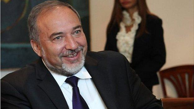 Israel says it has arrested four Palestinian Hamas members who were planning to kill FM Avigdor Lieberman during the recent Gaza conflict.