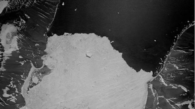 Aerial photographs from the 1940s and 1950s are being used to probe the climate history of the Antarctic Peninsula.