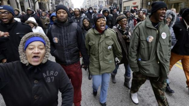The fatal shooting of an unarmed black man by a white police officer in Milwaukee is to be reviewed after a prosecutor decides not to press charges.