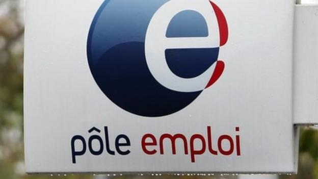 The number of people seeking work in France has risen to a record high, official figures show.