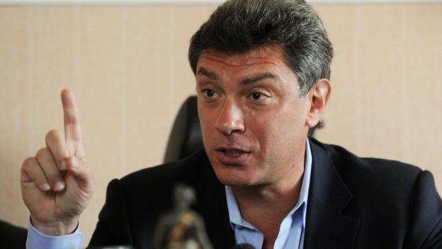 A leading Russian opposition politician, former deputy PM Boris Nemtsov, is shot dead in Moscow just before a march against the war in Ukraine.
