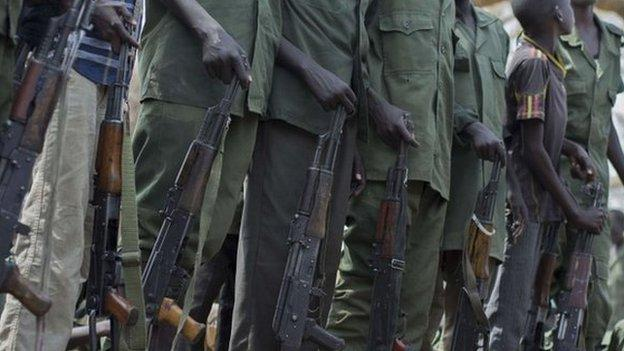 Hundreds of South Sudanese boys have been kidnapped and forced to become child soldiers, the UN says, blaming a government-allied militia.