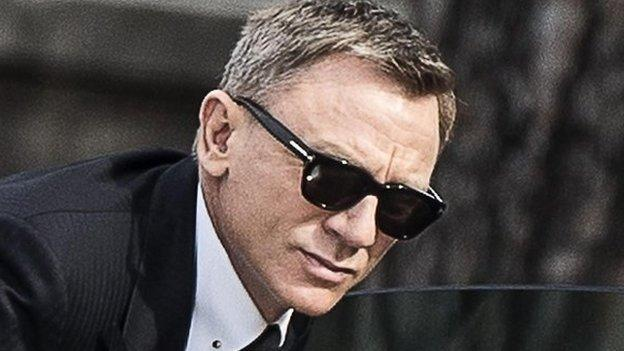 Bond star Daniel Craig will appear as 007 in a Comic Relief sketch to air on Red Nose Day, Friday 13 March.