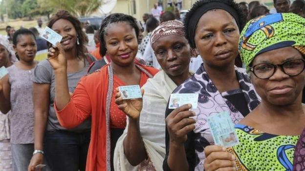 Voters in Africa's most populous nation, Nigeria, are taking part in presidential elections against the background of militant Islamist violence.