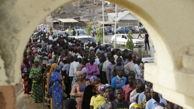 Voters in Nigeria, Africa's most populous nation, are taking part in presidential elections, amid delays due to new biometric voter cards.